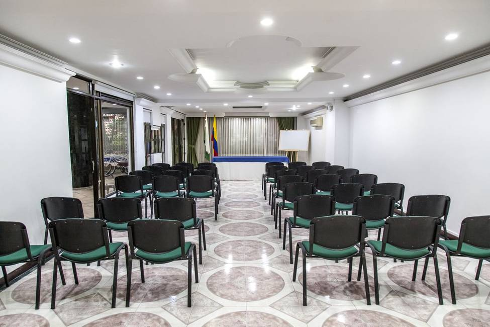 Meeting room casa laureles hotel medellin