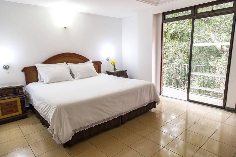 Room casa laureles hotel medellin